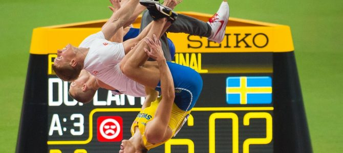 Geriausioje spalio sporto nuotraukoje – lengvaatlečių triumfas