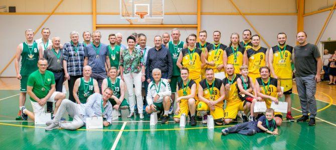 Karantinas neatvėsino tradicinių krepšinio turnyro aistrų