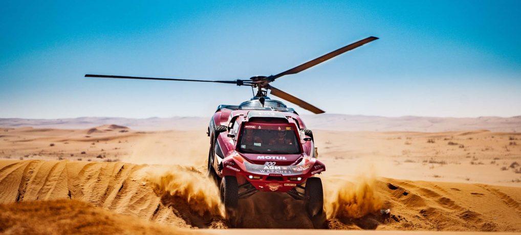 Geriausioje sausio sporto nuotraukoje – įspūdinga Dakaro ralio akimirka